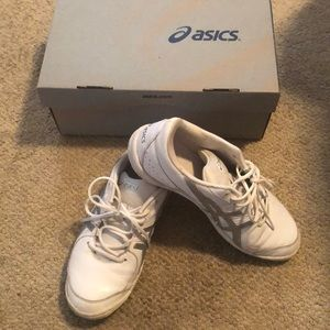 ASIC cheer shoes